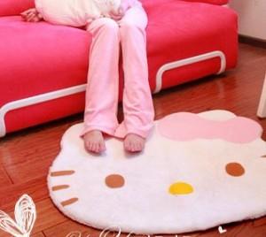 hello-kitty-rug-300x268