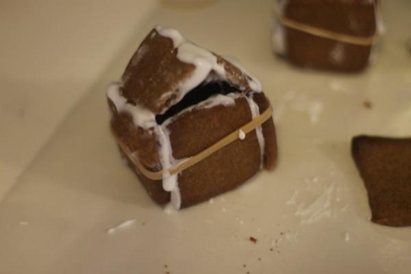 Kid Friendly Mini Gingerbread Houses